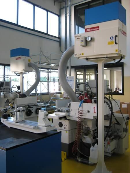 AR Filtrazioni | Filtri per nebbie oleose e fumi derivanti da rettifiche e macchinari per la rettifica