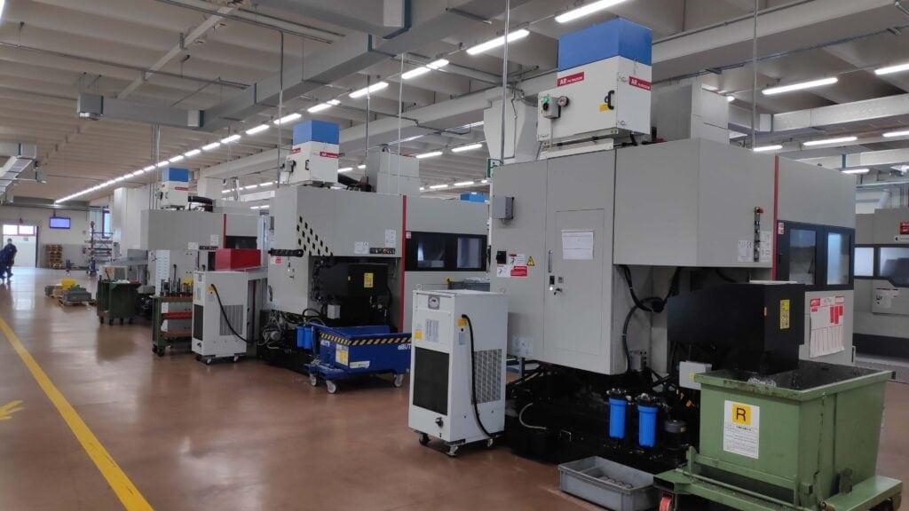 AR Filtrazioni Filtrazione nebbie oleose | Vantaggi di un'officina con aria pulita per le macchine utensili - 07.21